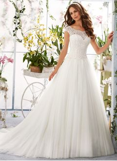 A-Line/Princess Scoop Neck Chapel Train Tulle Lace Wedding Dress