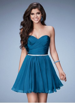 A-Line/Princess Strapless Sweetheart Short/Mini 30D Chiffon Homecoming Dress With Ruffle Beading