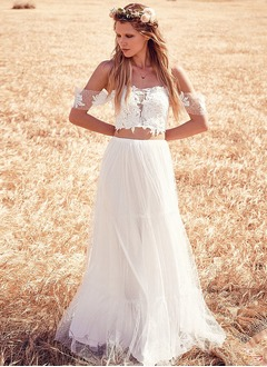 A-Line/Princess Off-the-Shoulder Sweep Train Tulle Wedding Dress With Appliques Lace