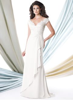 A-Line/Princess V-neck Sweep Train Chiffon Mother of the Bride Dress With Lace Beading