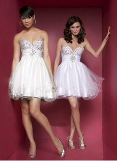 A-Line/Princess Sweetheart Short/Mini Satin Tulle Homecoming Dress With Ruffle Beading