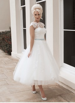 A-Line/Princess Scoop Neck Tea-Length Tulle Lace Wedding Dress With Sash Bow(s)