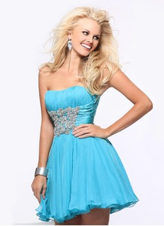 A-Line/Princess Strapless Sweetheart Short/Mini Chiffon Charmeuse Homecoming Dress With Ruffle Beading