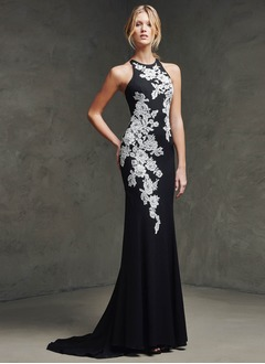 Sheath/Column Scoop Neck Court Train Chiffon Evening Dress With Appliques Lace