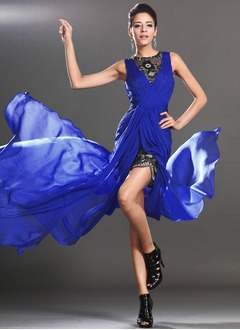 A-Line/Princess Scoop Neck Court Train Chiffon Prom Dress With Ruffle Lace Split Front