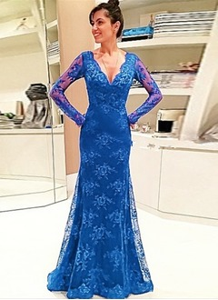 Trumpet/Mermaid V-neck Sweep Train Lace Evening Dress With Lace