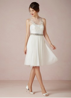 A-Line/Princess Scoop Neck Knee-Length Chiffon Tulle Wedding Dress With Beading Appliques Lace Pleated