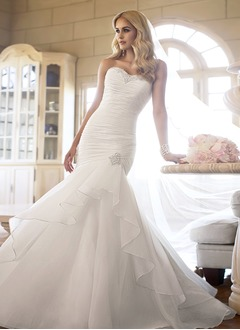Trumpet/Mermaid Strapless Sweetheart Court Train Organza Wedding Dress With Ruffle Beading