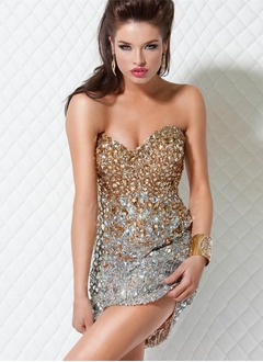 Sheath/Column Strapless Sweetheart Short/Mini Sequined Cocktail Dress With Beading