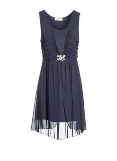 Sheath/Column Scoop Neck Knee-Length Chiffon Homecoming Dress With Ruffle Beading