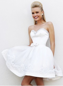 A-Line/Princess Strapless Sweetheart Short/Mini Satin Tulle Wedding Dress With Beading Appliques Lace