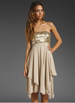 A-Line/Princess Strapless Knee-Length Chiffon Prom Dress With Sequins Cascading Ruffles