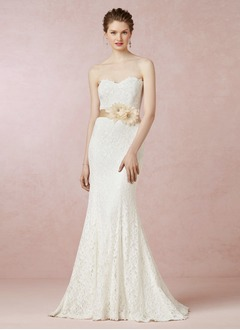 Trumpet/Mermaid Strapless Sweetheart Sweep Train Lace Wedding Dress