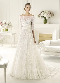 A-Line/Princess Off-the-Shoulder Chapel Train Lace Wedding Dress With Beading Flower(s)
