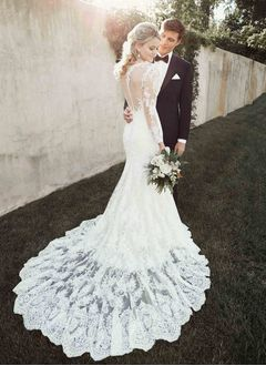 Trumpet/Mermaid Scoop Neck Court Train Lace Wedding Dress With Lace