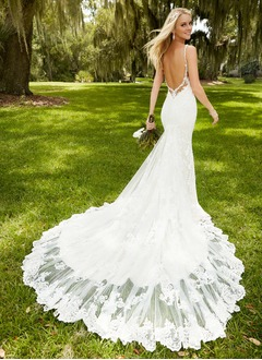 Trumpet/Mermaid Sweetheart Chapel Train Lace Wedding Dress With Appliques Lace