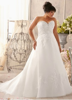 A-Line/Princess Strapless Sweetheart Chapel Train Satin Tulle Wedding Dress With Beading Appliques Lace
