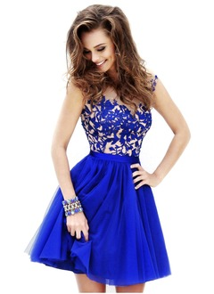 A-Line/Princess Scoop Neck Short/Mini Tulle Prom Dress With Beading Appliques Lace