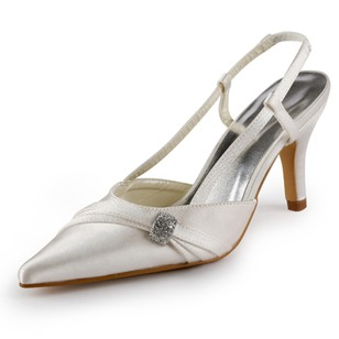 Vrouwen Satijn Kitten Hak Closed Toe Pumps met Kristal