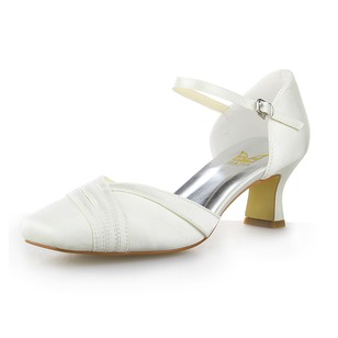 Vrouwen Satijn Closed Toe Pumps