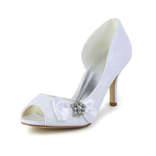 Women's Tulle Kitten Heel Closed Toe Pumps With Rhinestone