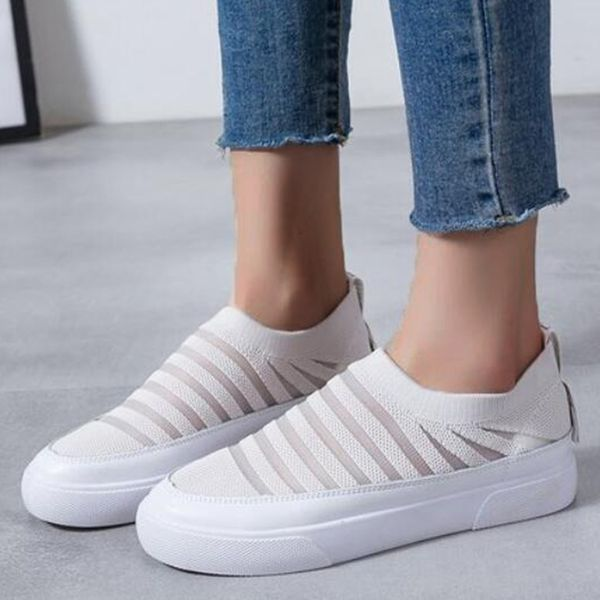 Women's Hollow-out Closed Toe Fabric Flat Heel Sneakers (1625596869)