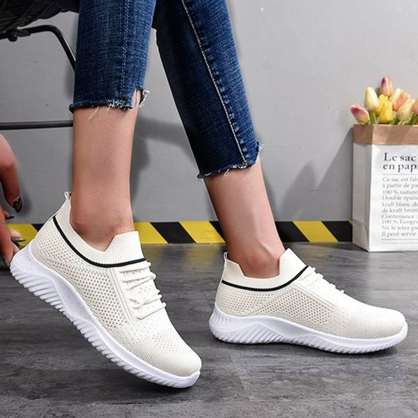 Women's Net Surface Lace-up Closed Toe Fabric Flat Heel Sneakers (1625594948)