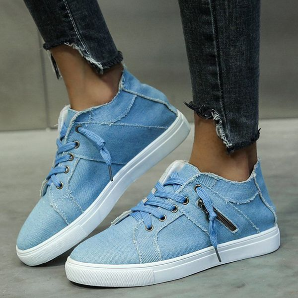Women's Lace-up Closed Toe Canvas Flat Heel Sneakers (1625591247)